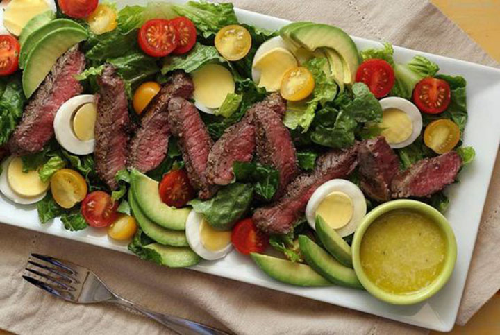 paleo diet, paleo recipes, Garlic Steak Salad